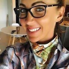 Naomi felhasználói profilja