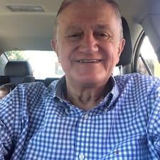 Sebastião Carlos es SuperAnfitrión.
