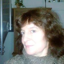 Dowiedz się więcej o gospodarzu Anne