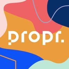 Μάθετε περισσότερα για τον οικοδεσπότη, τον/την Propr.