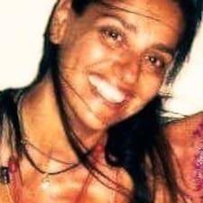 Dominique T. User Profile