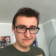 Profil Pengguna Christopher