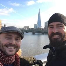 进一步了解Beard And Bald
