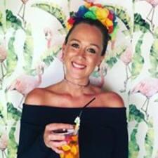 Profil Pengguna Julie Mathilde