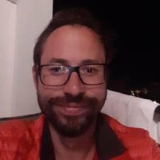 Profil Pengguna Max