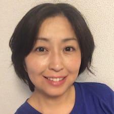 綾子さんのプロフィール