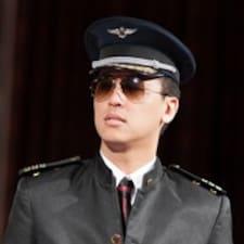 至偉 felhasználói profilja
