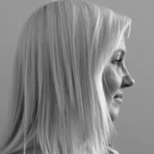 Pia Brugerprofil