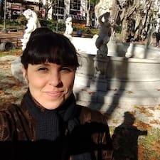 Profil Pengguna Marcela