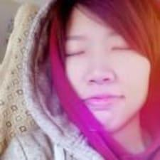 绮红 User Profile