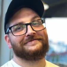 Profil Pengguna T.J.