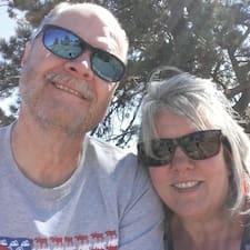 Lori And Steve的用戶個人資料