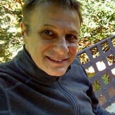 Giovanni felhasználói profilja