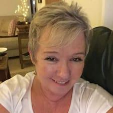 Adrienne Kullanıcı Profili
