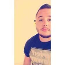 Louis felhasználói profilja