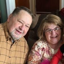 โพรไฟล์ผู้ใช้ Jim And Norma