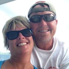 Profil Pengguna Robert & Peggy