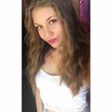 Anne-Colyne felhasználói profilja