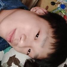 世鑫 User Profile