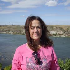 Linda är en Superhost.
