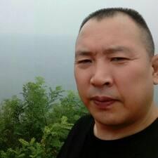 Το προφίλ του/της 建平