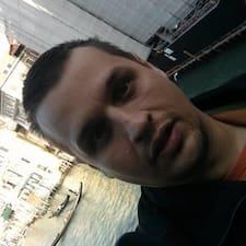 Profil utilisateur de Adrian-Gabriel