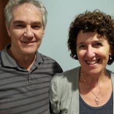 Roger & Margaret Superhost házigazda.