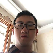 梓威 User Profile