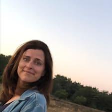 Annemoon User Profile