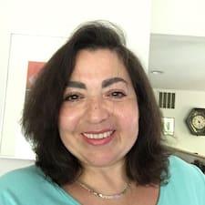 โพรไฟล์ผู้ใช้ Daphne Figuerero