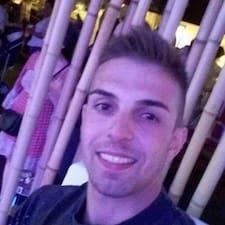 Moreno felhasználói profilja
