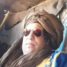 Henkilön Riad Naila käyttäjäprofiili