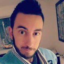 Mickael felhasználói profilja