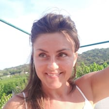 Erfahre mehr über Caroline