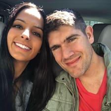 Travis & Caterina felhasználói profilja