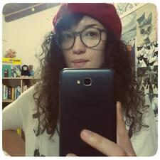 Laura Elena felhasználói profilja