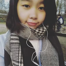 Yujie felhasználói profilja