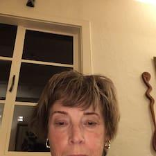 โพรไฟล์ผู้ใช้ Joan