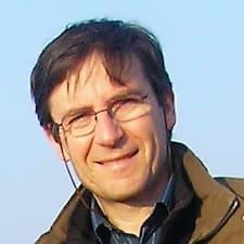 Pierre felhasználói profilja