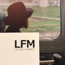 Life  Field è un Superhost.