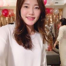 Yoon Joo Brugerprofil