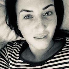 Jenni felhasználói profilja