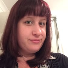 Profil Pengguna Ashleigh