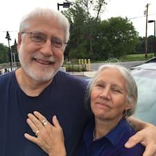 פרופיל משתמש של Nancy And John