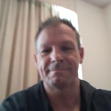 Garry felhasználói profilja