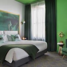 الملف الشخصي لAngad Arts Hotel