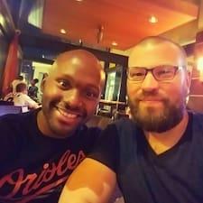 Phillip & Mike is een SuperHost.