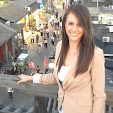 Jacqueline Profile ng User