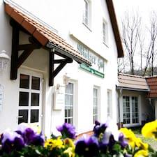 Dowiedz się, co Regiohotel Pfälzer Hof mówi na swój temat.