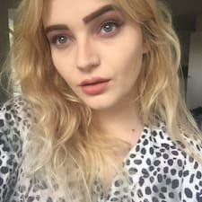 Profil Pengguna Lacey